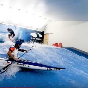 Jiří Prskavec kayaking on the artificial wave