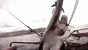 DANGEROUS Kayak Fishing In Hawaii! | Pacific Warriors