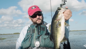 Kayak Bass Fishing Stick Marsh | Ft. Jason Broach and Flukemaster