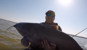 HUGE Texas Blue Catfish While Kayak Fishing!!