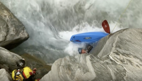 Kayaker Caught in the Death Grip of a Sieve   Ultimate Rush