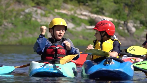 5 tips to introduce your Kids to Whitewater Kayaking