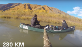 French team paddling down Through the Yukon river!