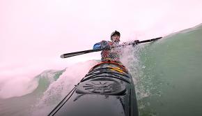 Kayak Hipster Surfing