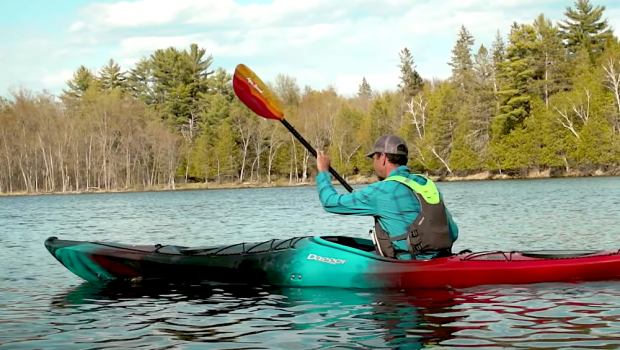 Paddle TV's Ken Whiting takes us through the 3 main strokes for kayaking. By learning to do these strokes the right way, you'll paddle more efficiently, comfortably, and powerfully. Enjoy!Paddle TV's Ken Whiting takes us through the 3 main strokes for kayaking. By learning to do these strokes the right way, you'll paddle more efficiently, comfortably, and powerfully. Enjoy!